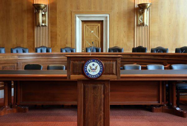 مجلس الشيوخ الأمريكي يوافق على حزمة الإغاثة